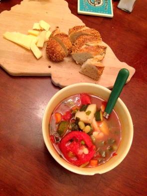 Crock pot vegetable soup, a classic