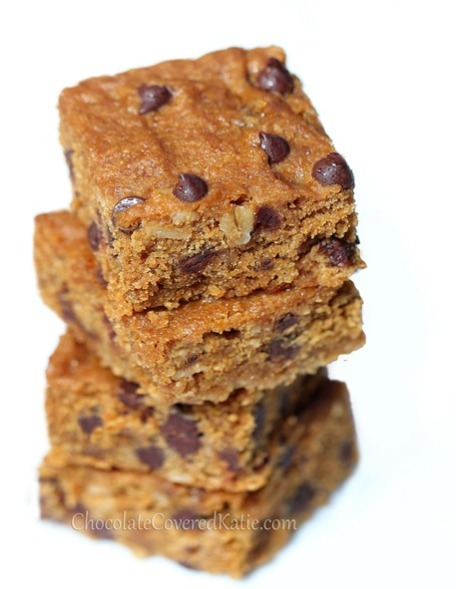 Gooey-Chocolate-Chip-Molasses-Bars_thumb